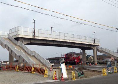歩道橋の新設工事亜鉛メッキスイープブラスト処理