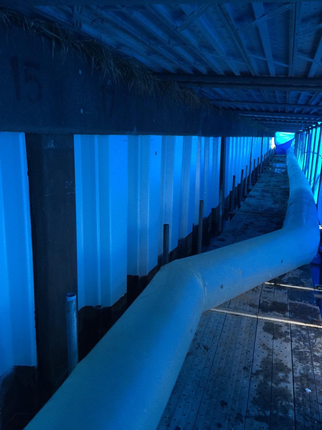農業用水護岸鋼矢板塗装工事